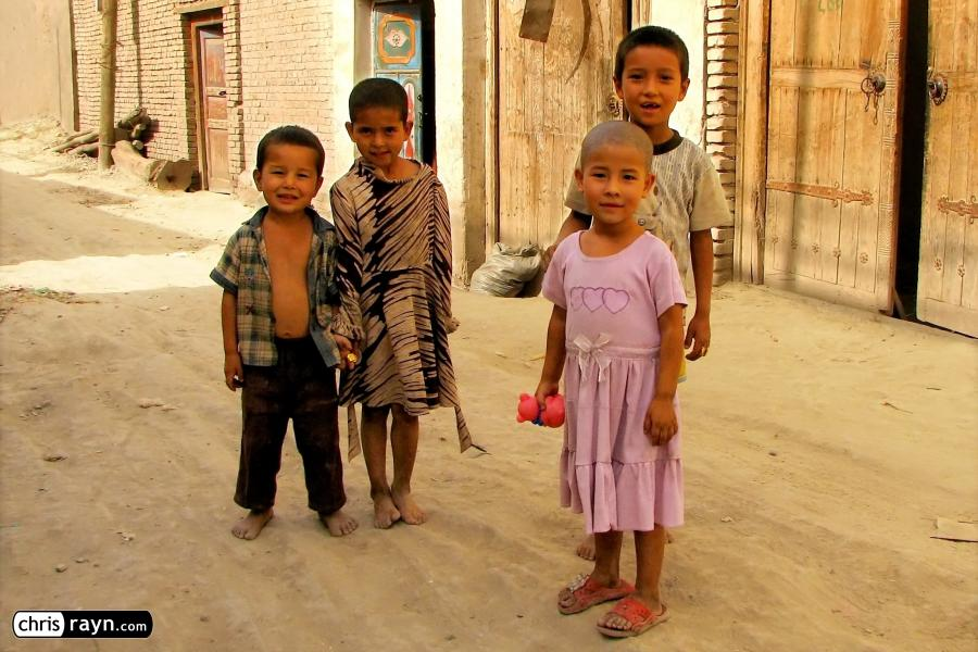 Kids in Kashgar's old town